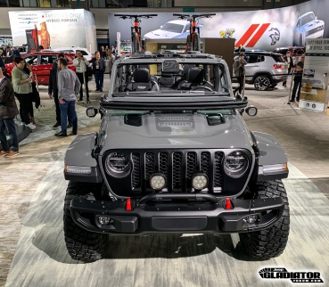 Sting-Gray--Jeep-Gladiator-JT-Pickup-Mopar-Accessories-LA-Auto-Show-10