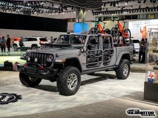 Sting-Gray--Jeep-Gladiator-JT-Pickup-Mopar-Accessories-LA-Auto-Show-9
