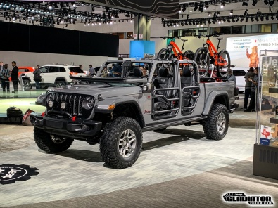 Sting-Gray--Jeep-Gladiator-JT-Pickup-Mopar-Accessories-LA-Auto-Show-9