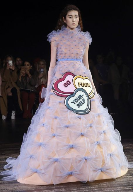 model-walks-the-runway-during-the-viktor-rolf-spring-summer-news-photo-1098421152-1548268162