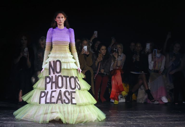 model-walks-the-runway-during-the-viktor-rolf-spring-summer-news-photo-1098421296-1548268408