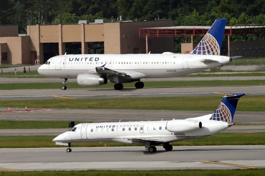 d570d8bb-6dd4-4666-b8dc-b0a25e064dc8-AP_United_Airlines_Layoffs (1)
